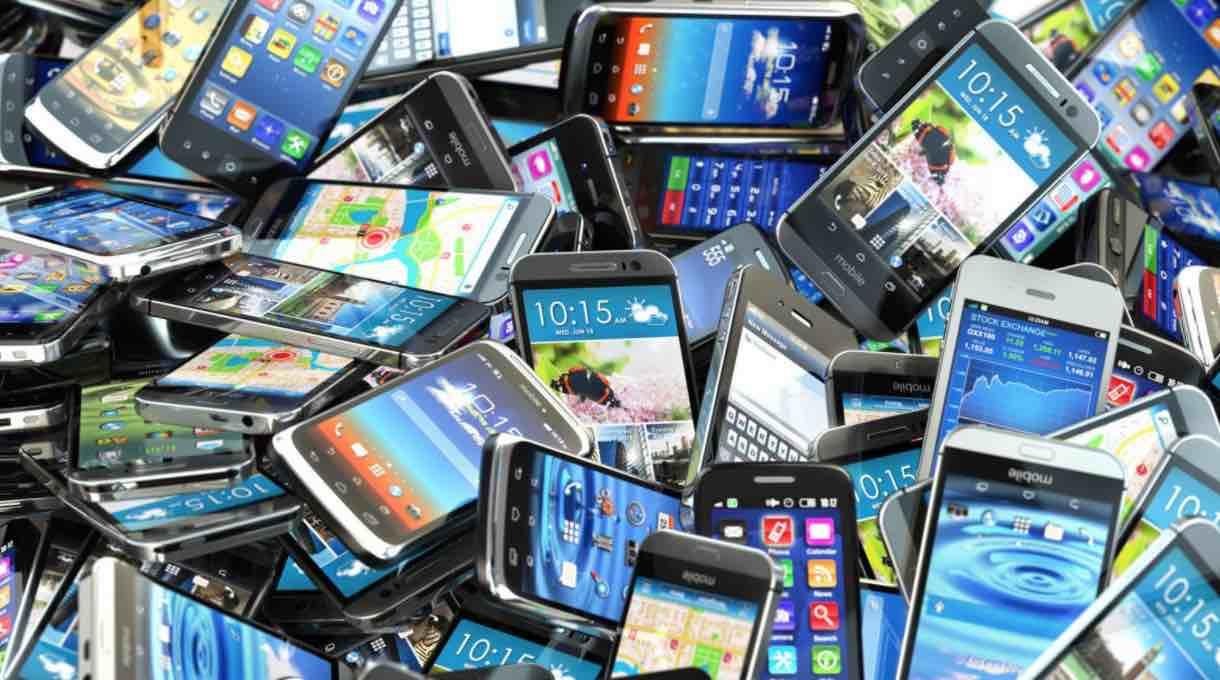 Cómo sacar provecho a un móvil en desuso